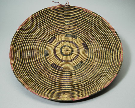 Dinka Tuich winnowing tray