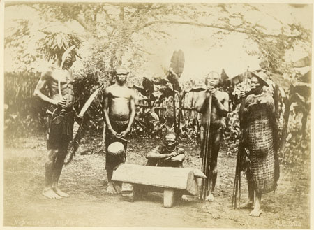 Group of Zande (Makaraka) men