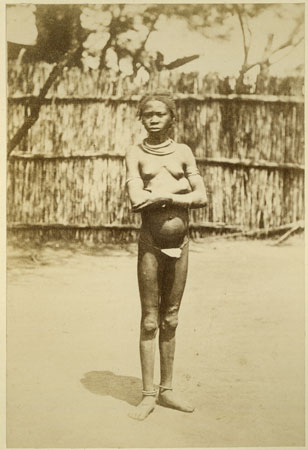 Portrait of a Zande (Makaraka) girl