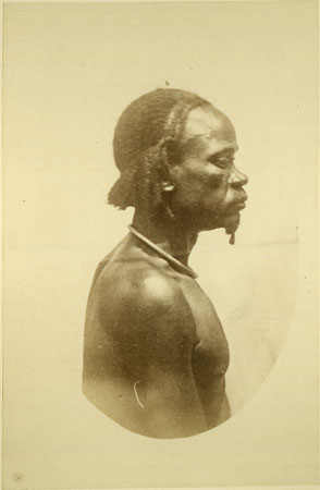 Portrait of a Zande (Makaraka) man