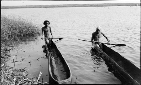 Nuer dug-out boats